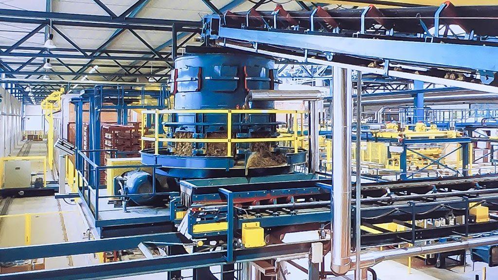 07. Siebrundbeschicker - Durchmischen des Rohmaterials unter Dampfzuführung